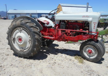 Used Ford 900 Gas Tractor Price: $4500